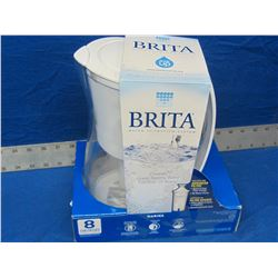 Brita water filtration system / 8 cup