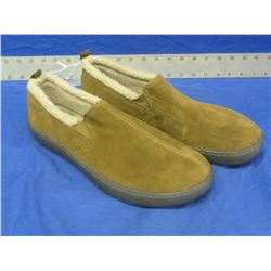New Mens slippers genuine suede size 9