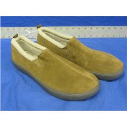 New Mens slippers genuine suede size 11