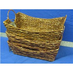 Lot of 3 wicker baskets