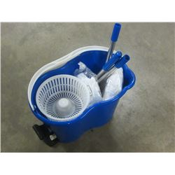 New Vileda spin mop with 2 mop heads