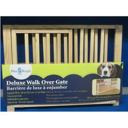 Deluxe walk over gate