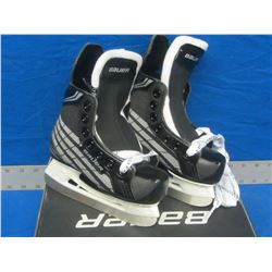 New Bauer youth Skates size 9