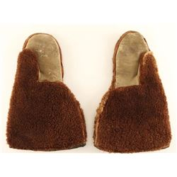 Pair of early buffalo fur winter mittens