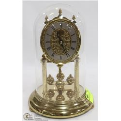 MANTLE CLOCK IN GLASS
