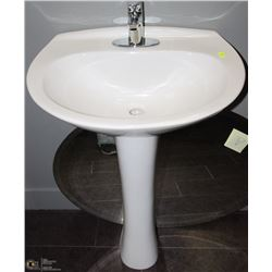 OVAL PEDESTAL SINK FAUCET FIXTURE INCLUDED