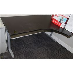 RIGHT ANGEL BLACK DESK SECTION, L-SHAPED 63X47