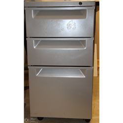 GREY 3 DRAWER ROLLING CABINETS 15X19X28