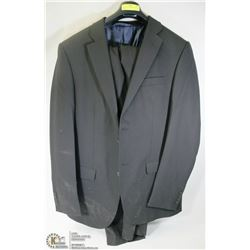 2PC JONES NEW YORK BLACK SUIT SIZE 40T