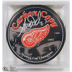 DETROIT REDWINGS ADAM WARD SIGNED PUCK WITH COA