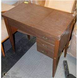 SEWING MACHINE TABLE CABINET . NO SEWING MACHINE