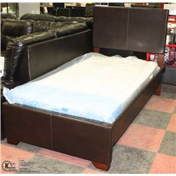 TWIN UPHOLSTERED HEADBOARD, FOOTBOARD AND