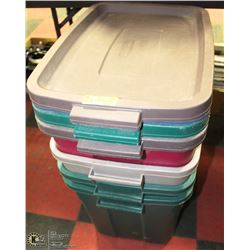 GROUP OF 4 RUBBERMAID TOTES WITH LIDS.