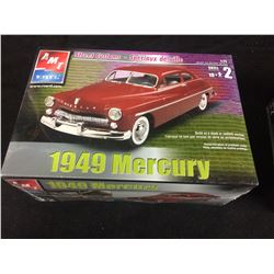 AMT/ ERTL 1949 MERCURY STREET CUSTOM 1:25 SCALE UNASSEMBLED MODEL KIT (IN BOX)