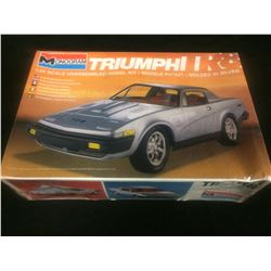 MONOGRAM TRIUMPH R8 1:24 SCALE UNASSEMBLED MODEL KIT IN BOX