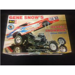 REVELL REVELL SNOWMAN 1/25 SCALE UNASSEMBLED MODEL KIT IN BOX