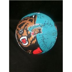 VANCOUVER GRIZZLIES AUTOGRAPHED BASKETBALL