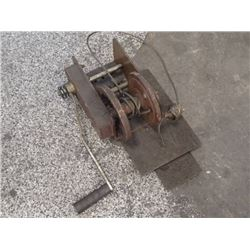 Dutton-Lainson Co 2500LBS Heavy Duty Brake Winch, P/N: B2500
