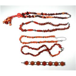 Collection of carnelian jewels: 4 necklaces and a bracelet