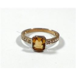 K8 gold ring set with faceted citrine