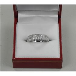 Ladies .925 Sterling Silver Ring. Baguette and Bea
