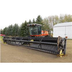 2005 HESSTON 9240 - 30' SWATHER