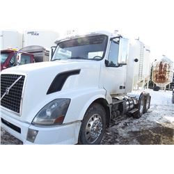 2011 VOLVO 300 DAY CAB TRUCK