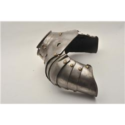 "18AT-12 GORGET ""ANIMME""Authentic 16th to 17th century armorer made  animme gorget and shoulders. Bra"