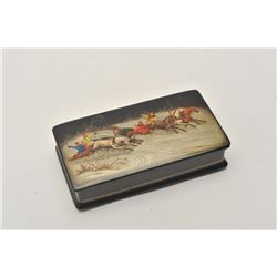 18BZ-3 RUSSIAN LACQUER BOXFine signed Russian Lacquer box. Vintage  pre-war in excellent mint condit