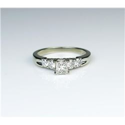 185CAI-75 DIAMOND RINGHigh quality Diamond ring set with a center  Princess cut Diamond weighing app