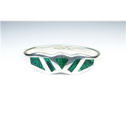 18CAI-71 MALACHITE STONE BANGLENice bangle featuring Malachite inlay stones  set in Sterling silver.