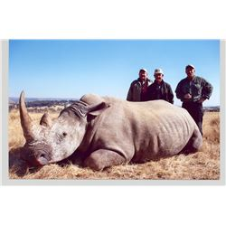 5-Day Vita Dart of a White Rhino for 1 hunter and 1 Observer in South Africa