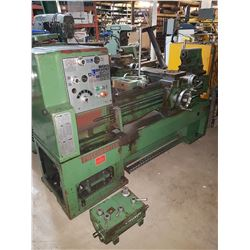 Precimaster Lathe 1740 for pieces with 3 & 4 Jaw Chuck