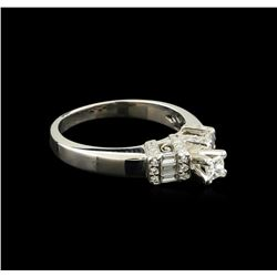 0.50 ctw Diamond Ring - 18KT White Gold