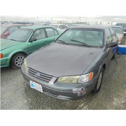 TOYOTA CAMRY 1999 SALV T/DONATION