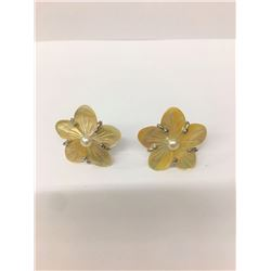 Yellow Shell .925 Sterling Silver Earring 2.80g