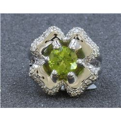 14K WHITE GOLD PERIDOT RING : 11.72g / Diamond: 0.83ct / Peridot: 1.8ct