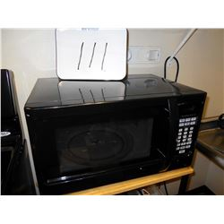 NEWER MICROWAVE