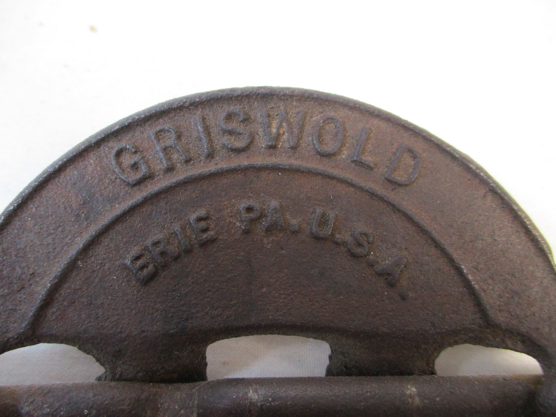 1880\'s Griswold Cast Iron Reversible Steel Spindle 4\
