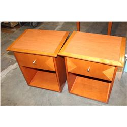 PAIR OF MAPLE 1 DRAWER NIGHTSTANDS