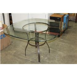 GLASSTOP PATIO TABLE
