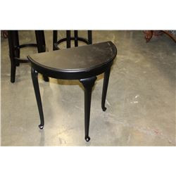 BLACK D TABLE