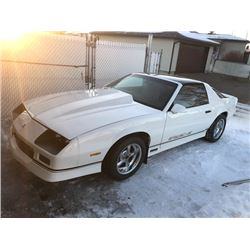 1986 CHEVROLET CAMARO IROC Z28 5 SPEED MANUAL