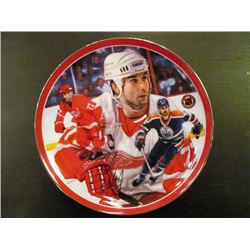NHL LEGENDS COLLECTOR PLATE SERIES INCLUDING WAYNE GRETZKY