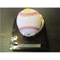 AUTOGRAPHED MLB BASEBALL - MIKE MUSSINA