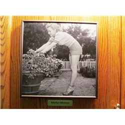 4 FRAMED BLACK AND WHITE PICTURES - MARILYN MONROE