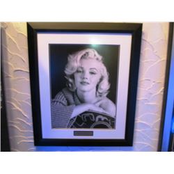 LARGE FRAMED BLACK AND WHITE PICTURE - MARILYN MONROE