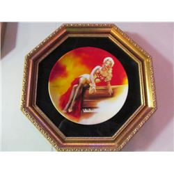 RARE FRAMED COLLECTOR PLATE - MARILYN MONROE. OFFICALLY AUTHORIZED BY THE ESTATE OF MARILYN MONROE