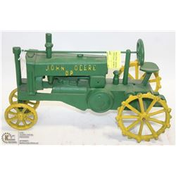 COLLECTIBLE LARGE VINTAGE CAST IRON JOHN DEERE TRACTOR