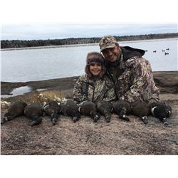 1 Day Diver Duck Hunt in Manitoba for 3 Hunters